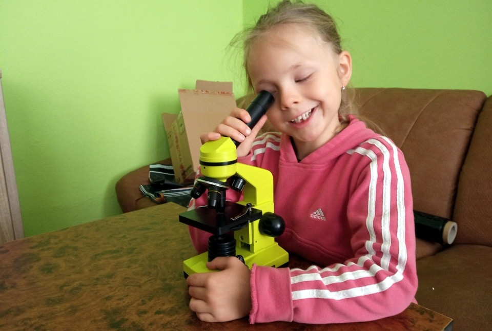 Vyberáme detský mikroskop